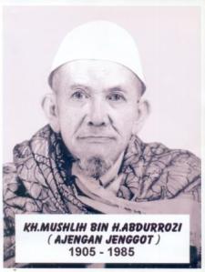 KH. MUSHLIH
